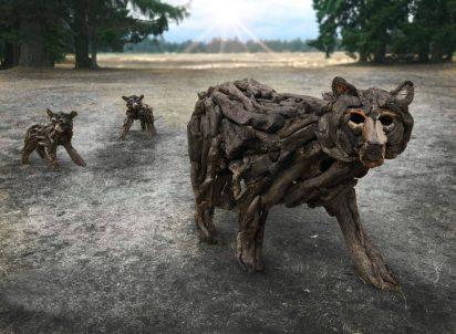 Quadra Alex Witcombe driftwood-artist-wolves-