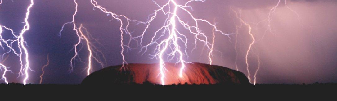uluru thunderstorm